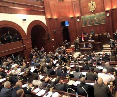 Mısır'da yeni anayasaya jet onay