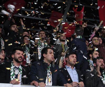 Salon boşalınca AK Partili Ataş gidenleri kınadı