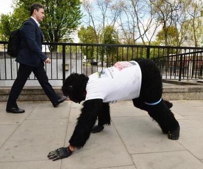 Maratona katılan 'Goril Adam' yolu yarıladı