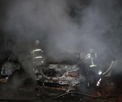 Şizofren hastası genç mahallelinin araçlarını yaktı