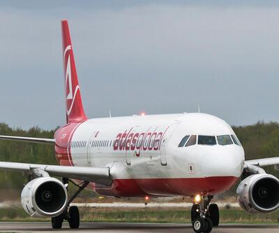 İstanbul'a gelen uçağın havada kokpit camı çatladı
