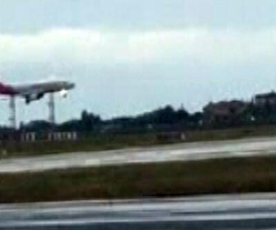 Doludan hasar gören uçak havalimanına geri döndü