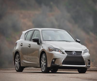 Lexus'un lüks hibriti 158 bin TL'ye Türkiye'de