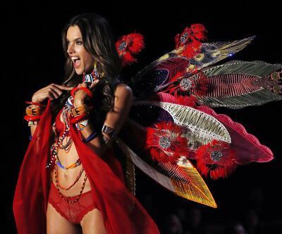 Adriana Lima'nın jübilesi.. İşte Victoria's Secret Fashion Show 2017'den çok özel kareler