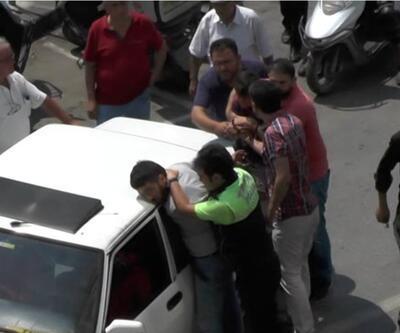 Polisin 'dur' ihtarına uymayan otomobildeki 3 kişiye biber gazlı müdahale