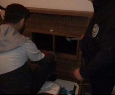 Polis rezidanstaki 'raylı zulayı' ortaya çıkardı