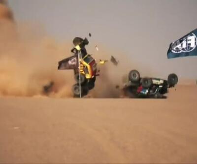 2 araç birbirine girip, taklalar attı