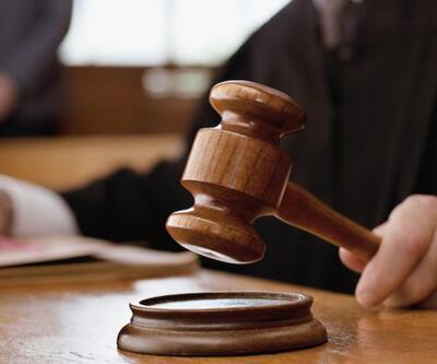 Mahkeme tokmağıyla hakime saldırdı