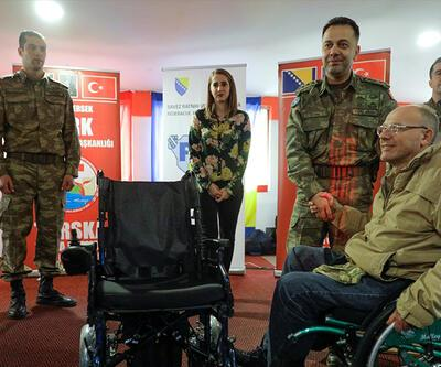 TSK, Bosnalı gazilere tekerlekli sandalye dağıttı