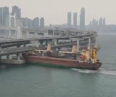 Rus kargo gemisi, Güney Kore'de köprüye çarptı
