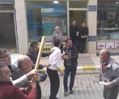 Esnaftan temsili sopalı kavga ile polise sürpriz