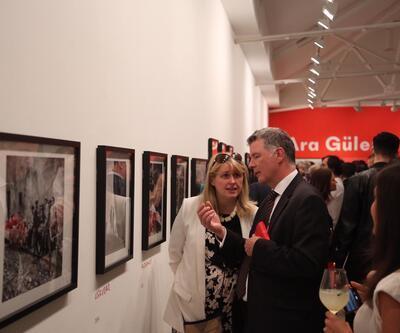 Londra Saatchi Galeri'de muhteşem açılış!