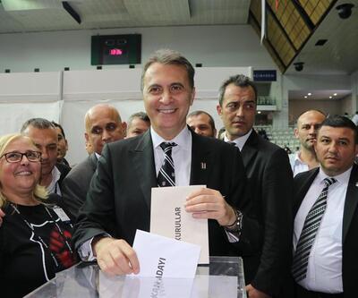 Beşiktaş'ta Fikret Orman yeniden başkan seçildi
