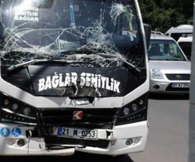 Freni boşalan yolcu minibüsü başka bir minibüse çarptı: 12 yaralı