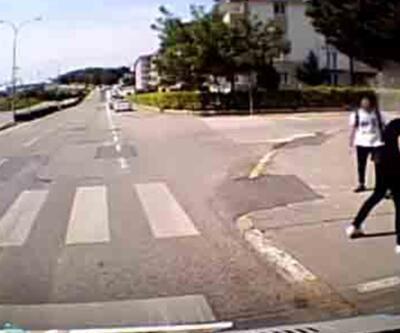 Minibüs sürücüsü ücret ödemediğini iddia ettiği öğrencilerle kavga etti