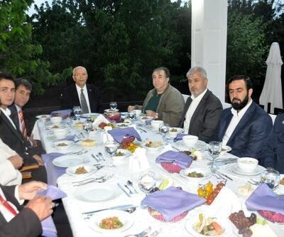 Başkan Yaşar, memleketinde iftar verdi