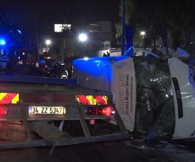 İstanbul'da servis minibüsü kaza yaptı! Çok sayıda yaralı var
