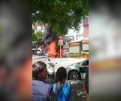 İstanbul Maltepe'de minibüs yangını