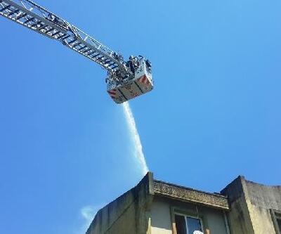 Onarım yapılırken çatı yandı
