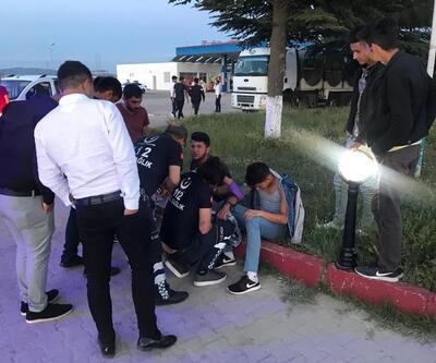 Gençler arasında bıçaklı kavga: 9 yaralı