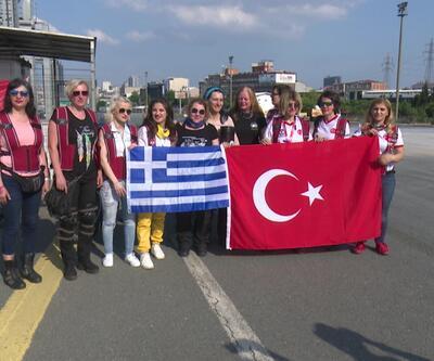Kadın motosiklet sürücüleri farkındalık için Türkiye'deler