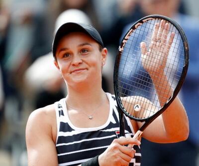 Fransa Açık'ta kazanan Ashleigh Barty