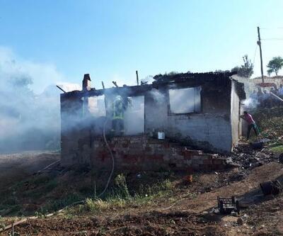 Fabrika işçisinin evi yangında kül oldu