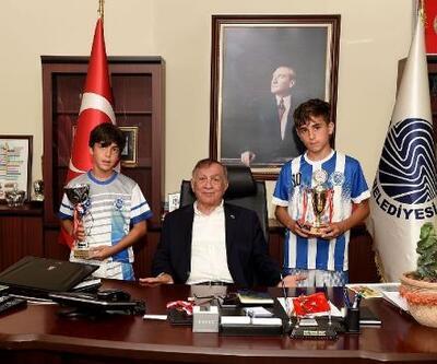 Seyhan Belediyespor U-12 ve U-13 takımları şampiyon oldu