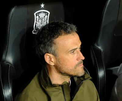 Luis Enrique görevinden ayrıldı