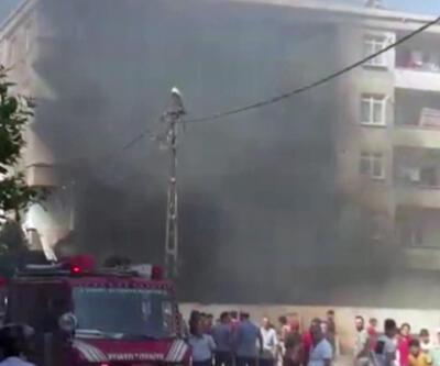 Bağcılar'da iş yeri yangını mahalleliyi sokağa döktü