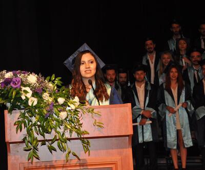 Şehit kızından mezuniyet töreninde duygulandıran konuşma