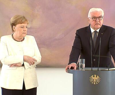 Almanya Başbakanı Angela Merkel yine titredi