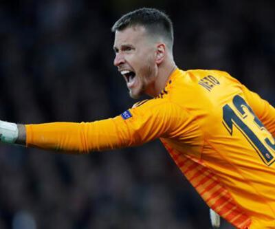 Barcelona Neto'yu 26 milyon euro'ya transfer etti