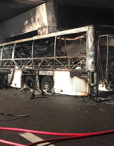 İtalya'da otobüs kazası: 17 ölü