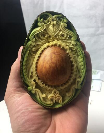 Avokadodan 1 saatte sanat eseri yaratıyor