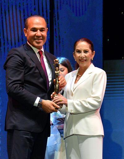 Türk sinemasının ustalarına ödül