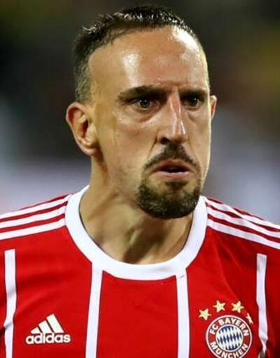 Ribery oynayabilsin diye kardeşinin maaşını cebinden vermiş
