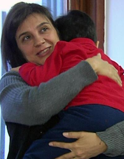 Görme engelli çocuğa koruyucu anne oldu