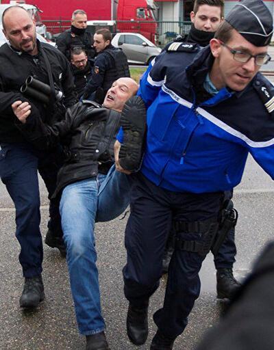 Fransa'da gardiyanlar ülke genelinde greve başladı