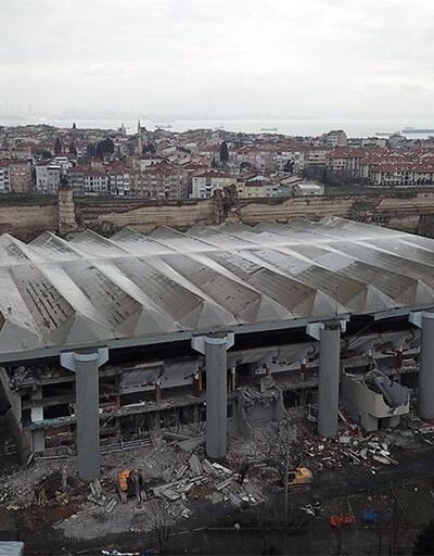 Abdi İpekçi Spor Salonu'nda yıkım çalışmaları başladı