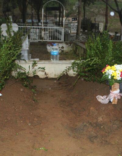 Şizofreni tedavisi gören oğulları tarafından öldürülen çift yan yana defnedildi