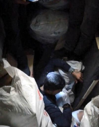 Uyuşturucu şüphelisi, çuvalların arasında yakalandı