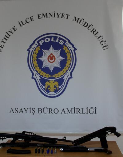 Fethiye'deki fuhuş operasyonunda silah ele geçirildi: 33 gözaltı