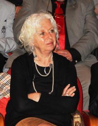 Salih Kalyon'un eşi İnci Kalyon hayatını kaybetti