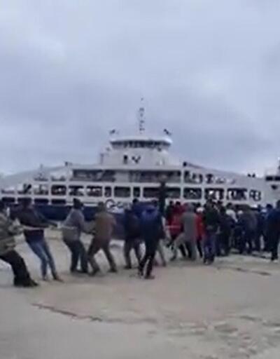 Yolcu gemisini halatla iskeleye çektiler