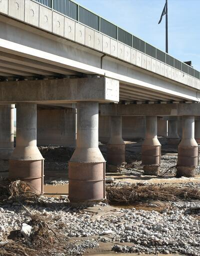 Irak'ın en uzun köprüsünde çökme riski
