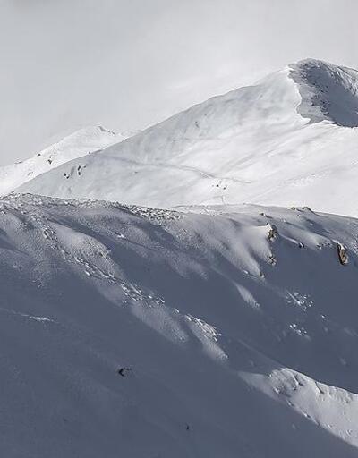 Antalya'da dağda mahsur kalan 2 doktor kurtarıldı