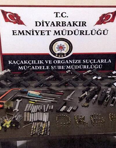 Silah kaçaklığı operasyonunda cephanelik ele geçirildi