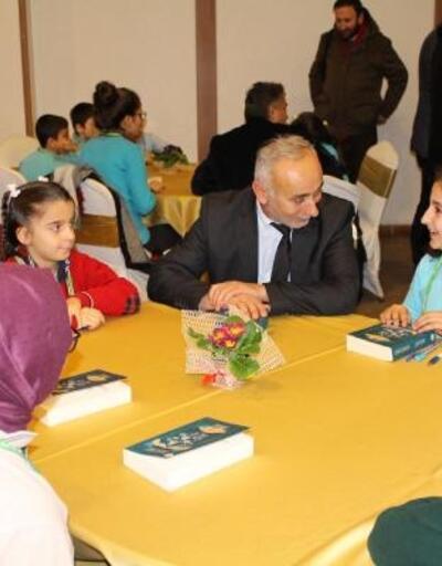 Genç yazarlar okurlarıyla buluştu