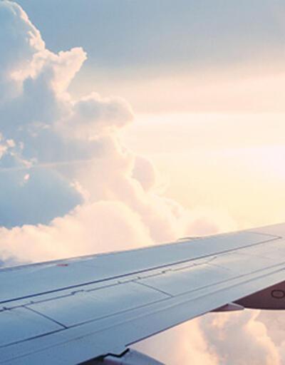 Rusya'da Boeing yolcu uçağı acil iniş yaptı